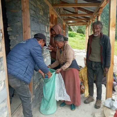 Viva Vita supporting the emergency response to the victims of floods and landslides in Nepal